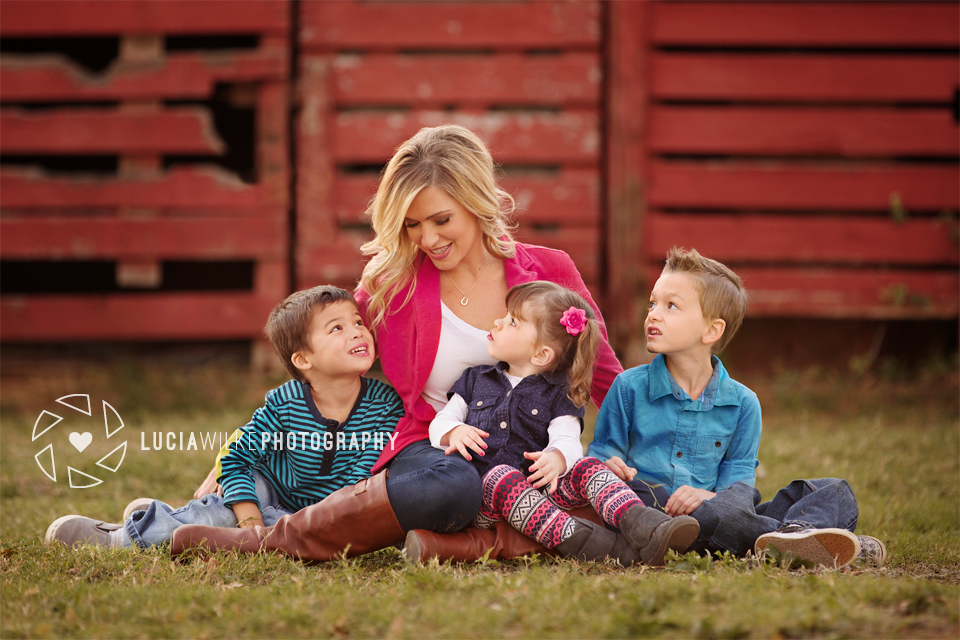 Mama and her three kids portrait Southlake Lucia Wilke Photography